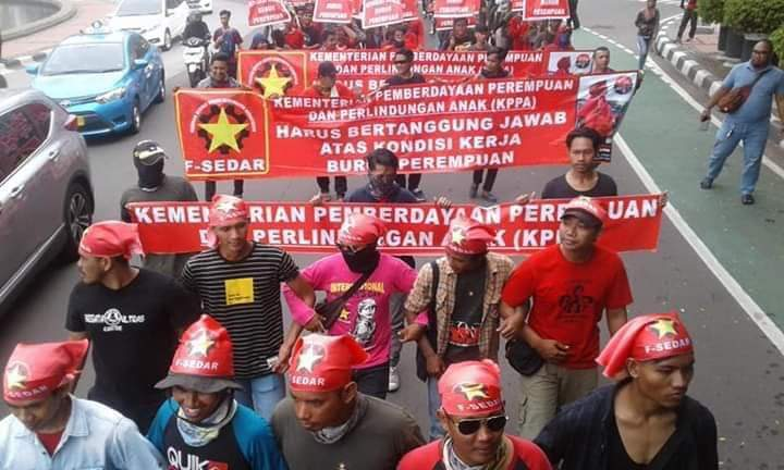 Workers' unity and political struggle